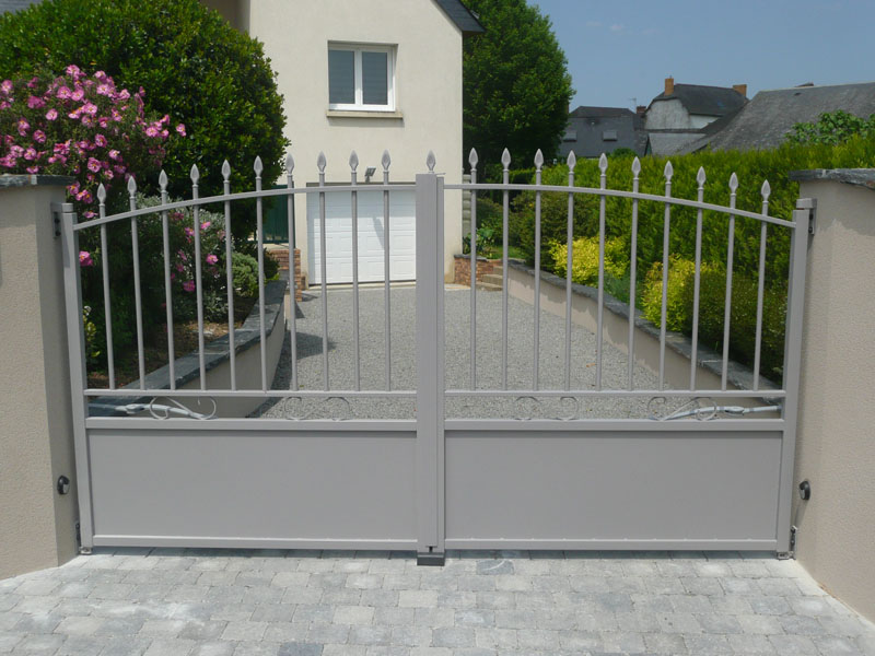 Pose portail bois aluminium acier janz la sarl martin for Portail acier galvanise ou aluminium